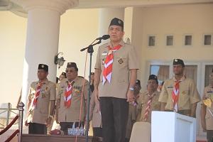 Gubernur NTT Frans Lebu Raya pada upacara peringatan HUT Pramuka ke 54. (foto: Humas Setda NTT)