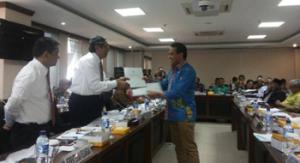 Senator Adrianus Garu Serahkan Program Prioritas NTT ke Menkeu dan Bappenas