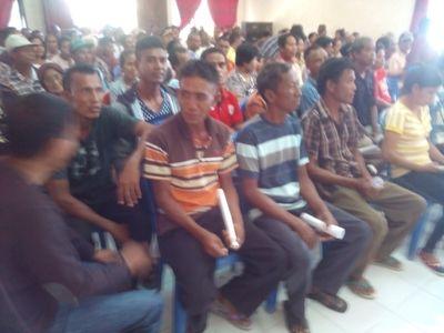Pemda Rote Ndao Serahkan Bantuan Bencana Untuk 667 KK
