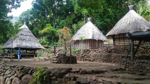 Pesona Kampung Tradisional Takpala