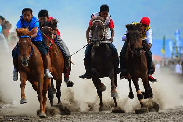 Desa Tesabela Rote Ndao Selenggarakan Pacuan Kuda Berhadiah Rp 30 Juta