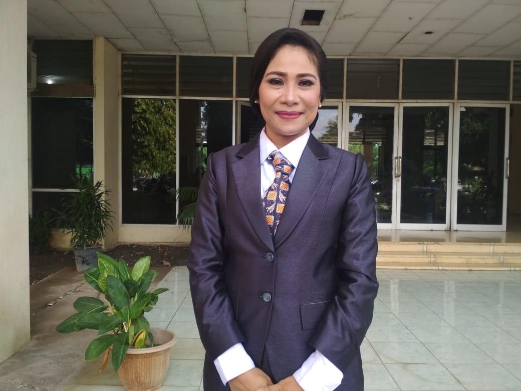 Reny Un Resmi Dilantik Sebagai Anggota DPRD NTT