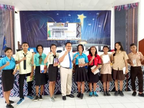 Road Show Universitas Warmadewa di Kupang Diikuti 1.500 Siswa