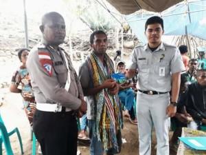 PT Jasa Raharja Serahkan Santunan Korban Laka Lantas di Kefamenanu