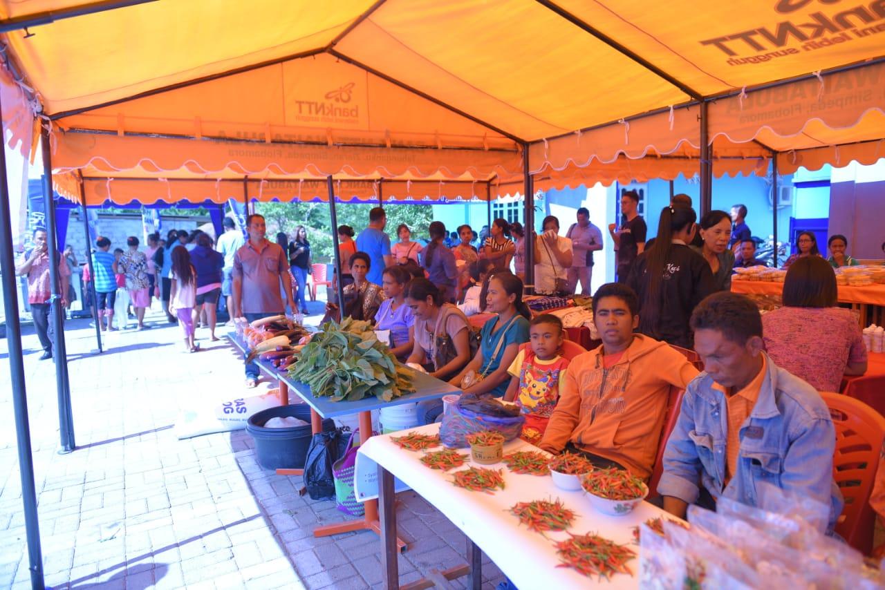 Suasana kegiatan Dapur UMKM Bank NTT. (Ist)