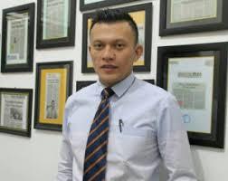 Fransisco Dampingi Belasan PTT yang Diberhentikan Wali Kota Kupang