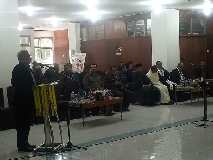 Hermanus Man ketika memberikan sambutan usai melantik pejabat di lingkup pemerintah Kota Kupang. (Ist)
