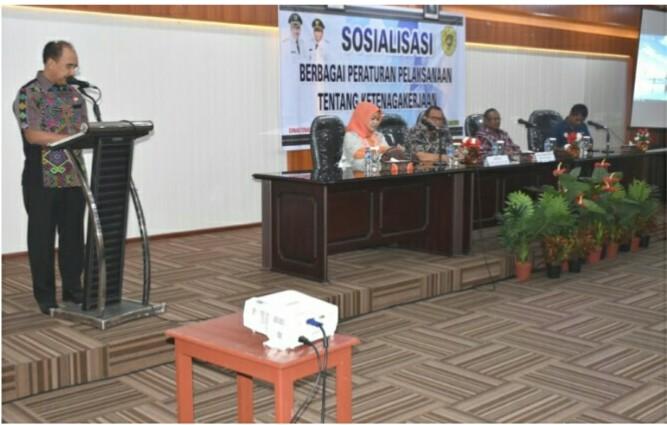 Wali Kota Kupang saat memberikan sosialisasi kearsipan. (Ist)