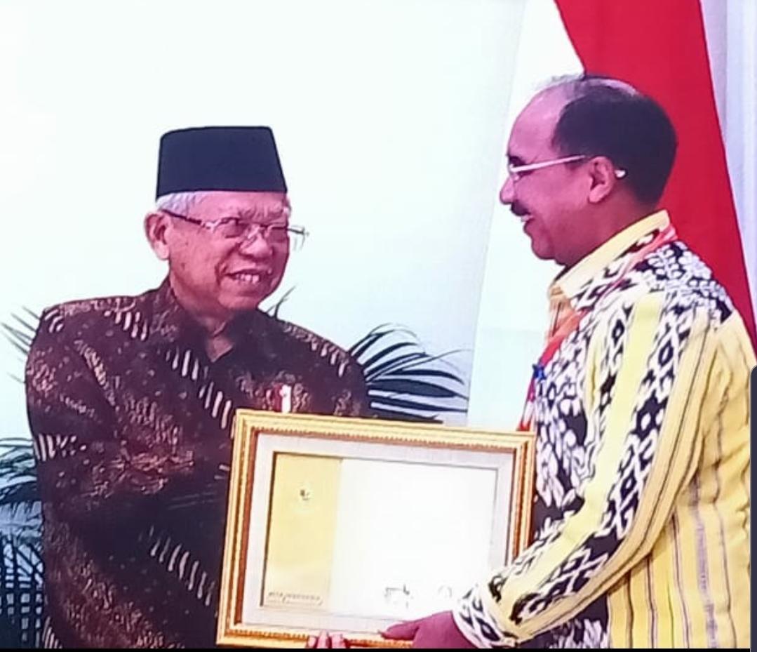 Pemkot Kupang Terima Penghargaan Paramakarya 2019
