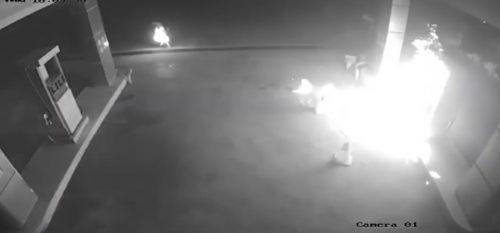 Pria Mabuk di Sikka Nekat Bakar SPBU, Tubuhnya Ikut Terbakar