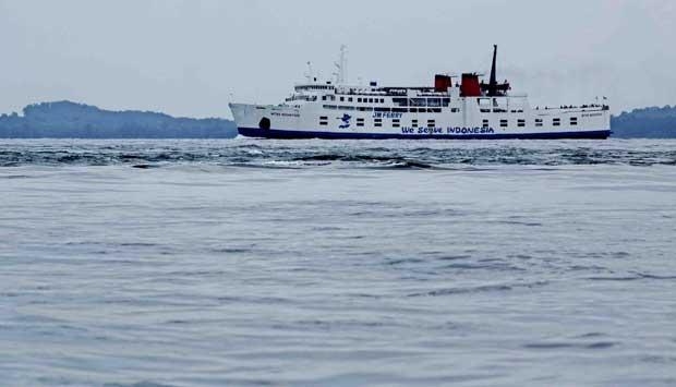 Korban Kapal Terdampar Dijemput  Sendiri Keluarga