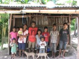 Potret Kehidupan Sebuah Keluarga Miskin Di TTU