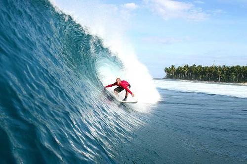 Kegiatan Surfing Pantai Boa Diundur ke Bulan November