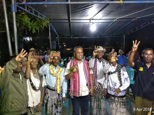 Cagub NTT Benny K Harman Janjikan Gaji Guru Kontrak Sesuai UMR