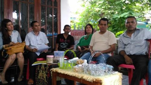 Melki Laka Lena: Sutradara Pembakar Baliho Goblok dan Tolol