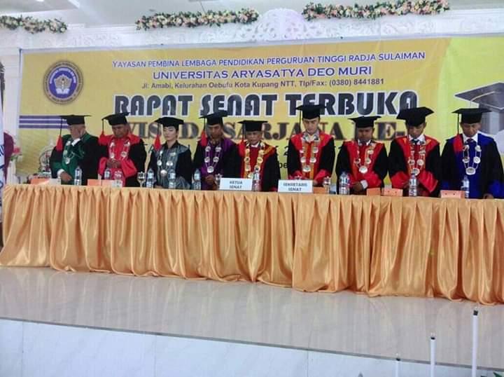 Perdana, Unasdem Kupang Wisudakan 262 Mahasiswa