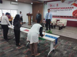 Karyawan OJK NTT Tanda Tangan Pakta Integritas