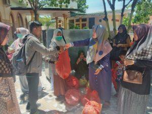 Komunitas Muslimah Peduli Umat Ajak Masyarakat Bersedekah