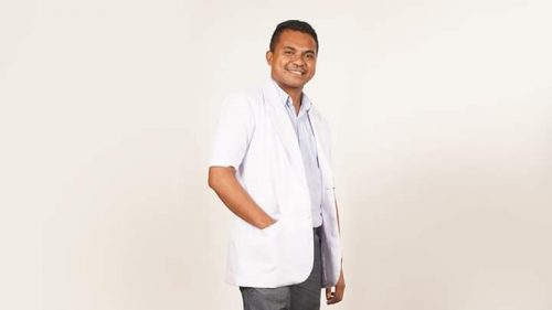 Klinik King Care Bagi Masker Gratis untuk Seluruh Jurnalis di Kota Kupang