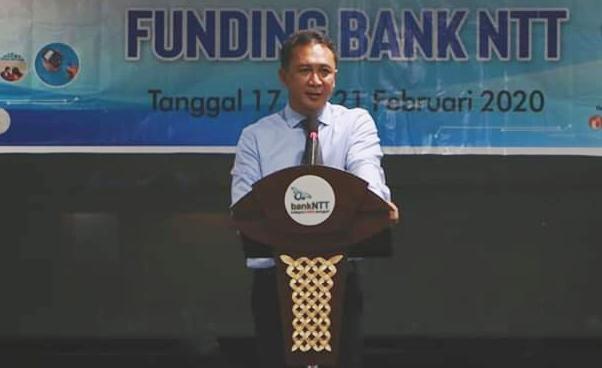 Aleks Riwu Kaho Plt Dirut Bank NTT