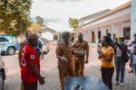 Ini yang Dilakukan Wali Kota Kupang saat Kunjungi Posko Nasi Gratis Pemuda GMIT