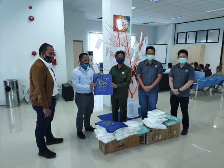 Pemda Sabu Raijua dapat Bantuan Masker dan Sabun Cuci Tangan dari Bank NTT