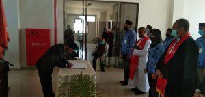 Rektor IAKN Kupang Ambil Sumpah dan Janji 48 PNS
