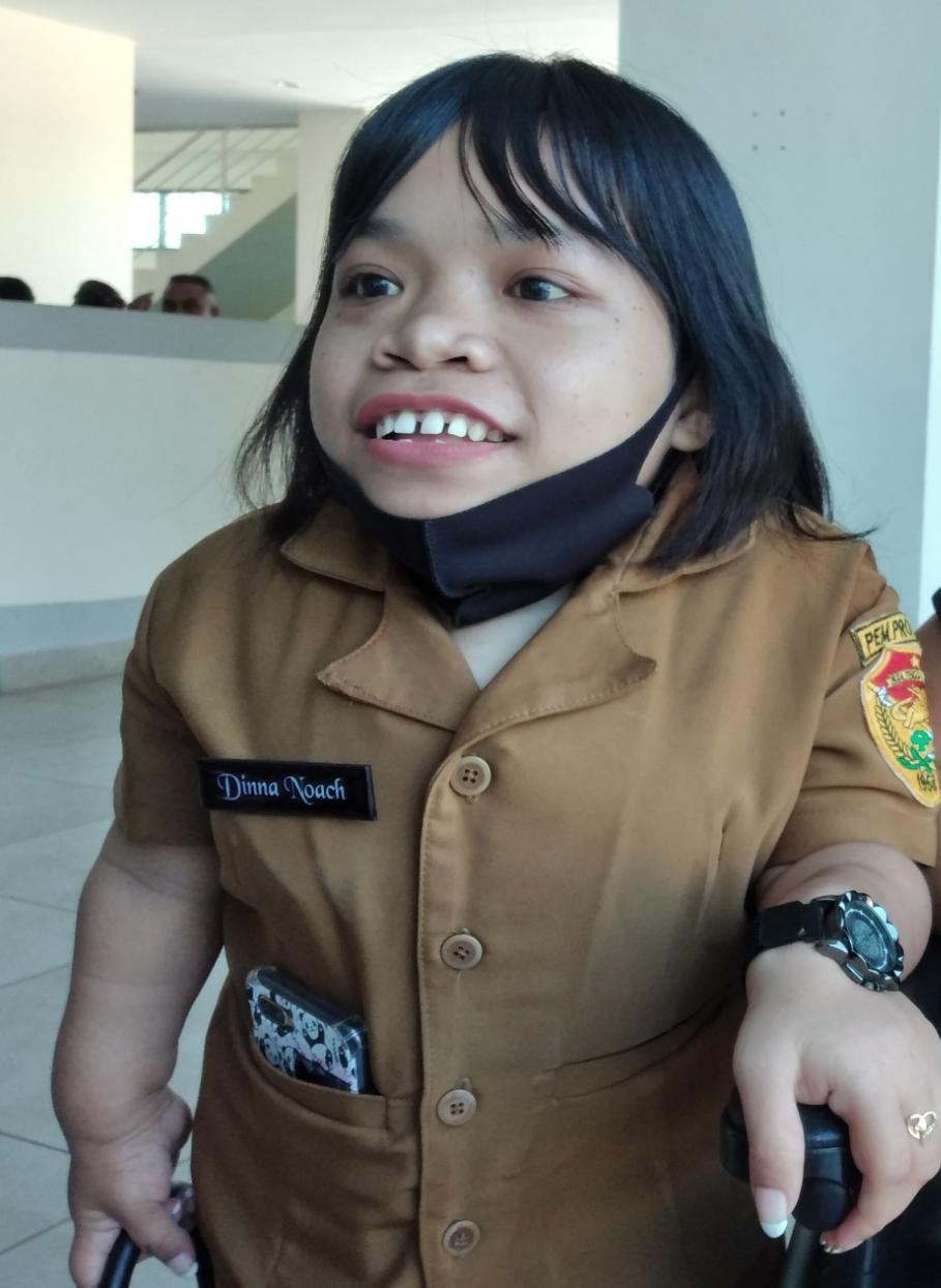 Komitmen Dina Noach, Gadis Penyandang Disabilitas yang jadi Staf Khusus Gubernur NTT