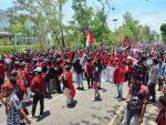 Ratusan Mahasiswa di Kupang Demo Tolak Omnibus Law Cipta Kerja, Polisi Dilempari Batu